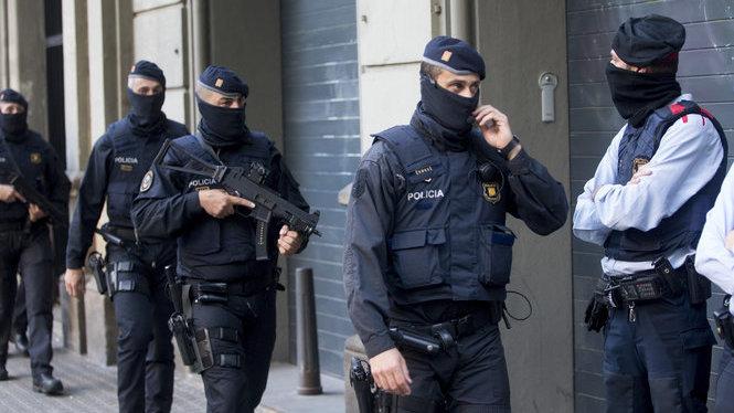 Diversos detinguts en una operació antijihadista a Barcelona