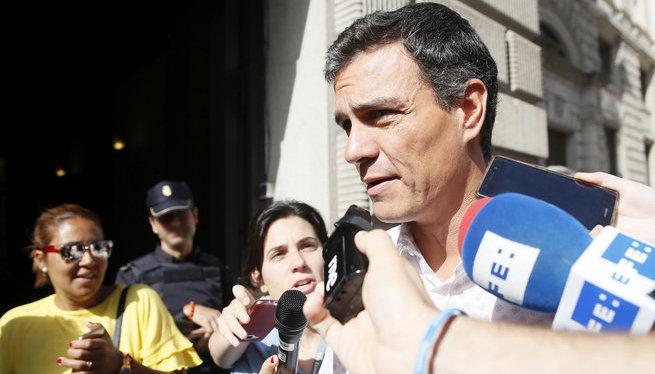 Pedro+S%C3%A1nchez+telefona+a+Rajoy+per+donar-li+suport+contra+la+consulta+sobiranista