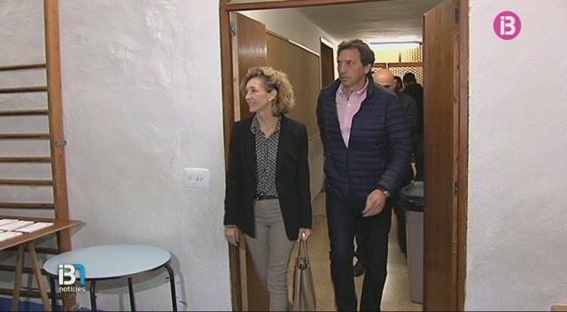 Mateu+Isern+i+la+seva+dona+estan+ingressats+a+la+cl%C3%ADnica+Juaneda+despr%C3%A9s+de+patir+un+accident+de+moto