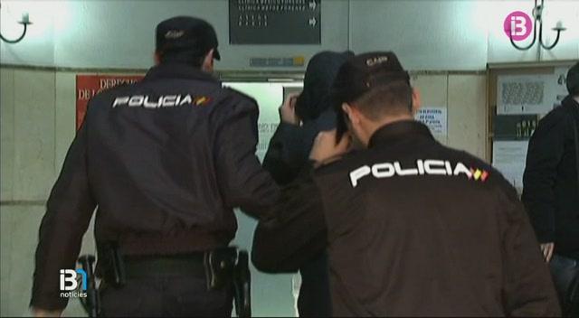 Un+dels+agents+empresonats+dins+el+cas+de+la+Policia+Local+de+Palma+hauria+dit+que+voldria+enfonsar+el+jutge+i+el+fiscal
