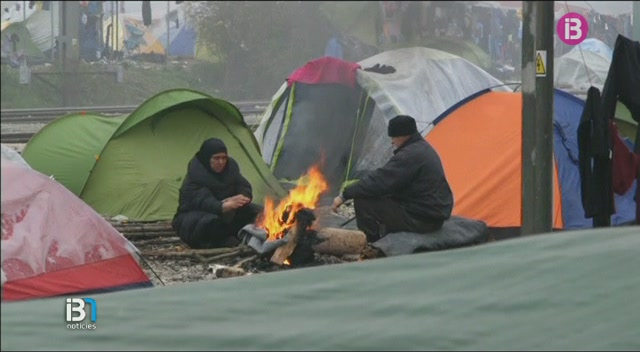 Alguns+ajuntaments+de+Menorca+han+obert+una+llista+per+col%C2%B7laborar+a+acollir+refugiats