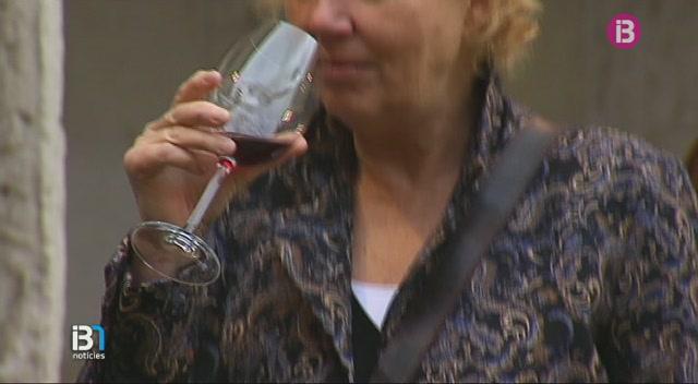 DO+Binissalem+va+presentar+els+seus+vins+al+claustre+de+Sant+Francesc+de+Palma