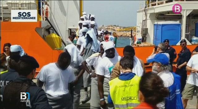 Cerquen+uns+400+migrants+que+haurien+desaparegut+al+mediterrani+quan+intentaven+arribar+a+la+costa+d%27It%C3%A0lia