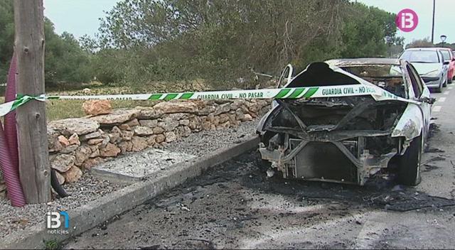 Han+cremat+una+furgoneta+estacionada+a+la+zona+del+Cam%C3%AD+de+Ses+Coves%2C+a+Sant+Ferran