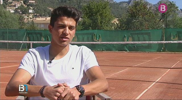 Xesc+Regis%2C+el+futbolista-tennista+del+Llosetense