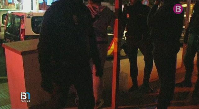 La+Policia+Nacional+allibera+una+menor+d%27edat+que+era+explotada+sexualment+a+un+club+nocturn+de+Platja+de+Palma