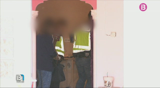 La+Policia+Nacional+ha+descobert+25.000+euros+enterrats+en+una+finca+de+Llucmajor+procedents+de+la+venda+de+coca%C3%AFna+a+Son+Banya