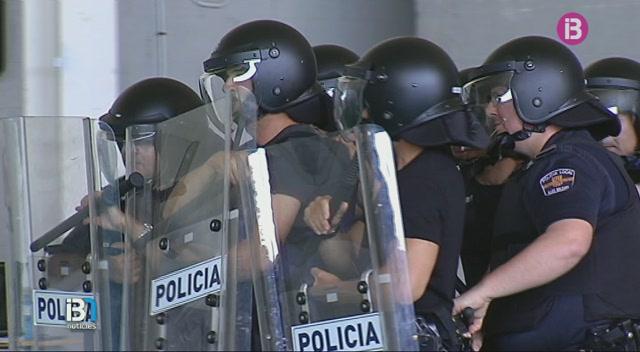 La+Policia+de+Ciutadella+es+prepara+per+a+una+possible+intervenci%C3%B3+a+les+festes+de+Sant+Joan