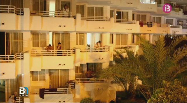 Una+jove+brit%C3%A0nica+de+17+anys+ha+caigut+des+d%27un+tercer+pis+en+un+hotel+de+Costa+de+la+Calma