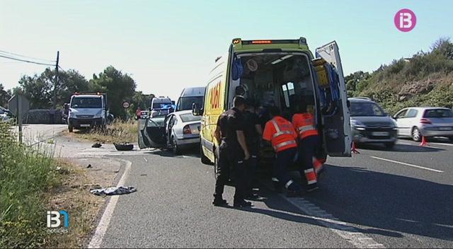 Diversos+accidents+de+tr%C3%A0nsit+provoquen+retencions+a+la+carretera+general+de+Menorca