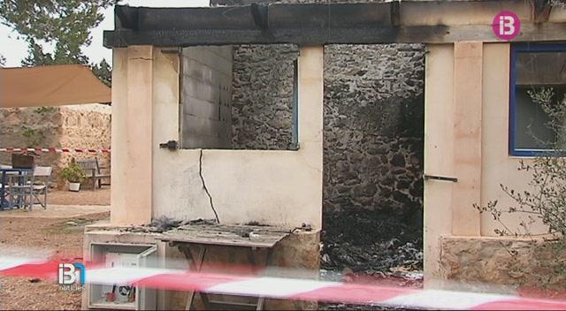 Un+incendi+calcina+una+casa+pagesa+a+Formentera