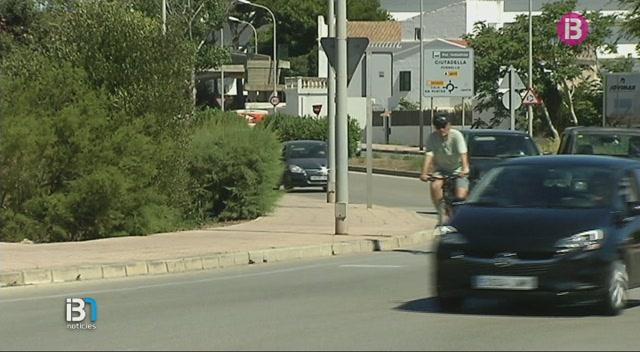 La+Policia+Local+de+Ma%C3%B3+cerca+el+conductor+fugat+despr%C3%A9s+d%E2%80%99atropellar+un+ciclista+diumenge+passat