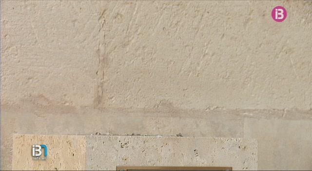 Ha+desaparegut+el+bust+de+bronze+de+Francesc+de+Borja+Moll+que+estava+ubicat+al+pati+de+Sant+Pere%2C+a+Ciutadella