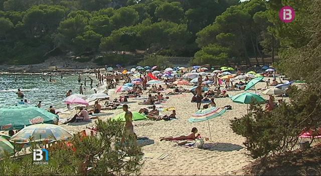 Saturaci%C3%B3+de+persones+i+d%E2%80%99embarcacions+a+les+platges