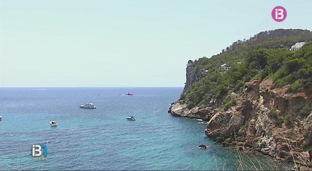 Salvament+Mar%C3%ADtim+ha+trobat+avui+demat%C3%AD+el+cos+sense+vida+d%27un+bussejador+franc%C3%A8s+de+41+anys+a+Formentera