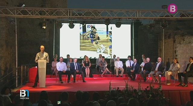 Paco+V%C3%A1zquez+i+Creu+Roja+Eivissa%2C+Medalles+d%27Or+de+la+ciutat+d%27Eivissa