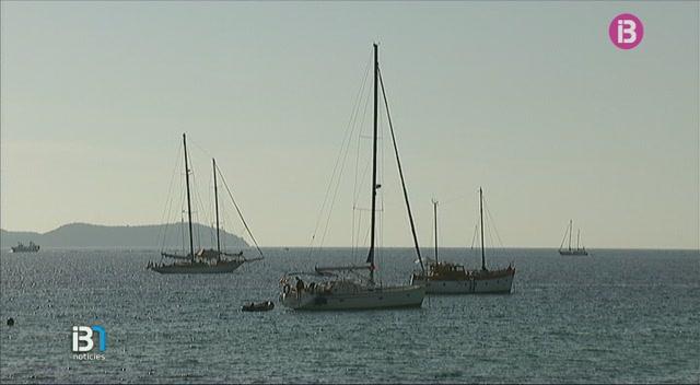 Sant+Antoni+abalisa+les+seves+platges+amb+boies+d%E2%80%99ancoratge+ecol%C3%B2gic