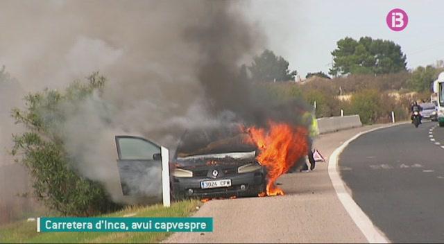 Un+cotxe+es+calcina+per+mor+d%E2%80%99una+avaria+a+la+carretera+d%E2%80%99Inca