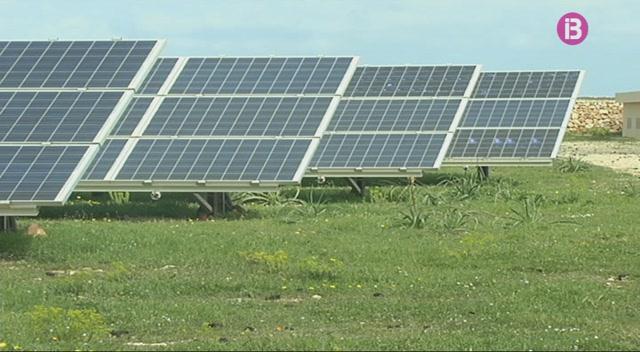 S%27han+reunit+a+Menorca+per+avaluar+la+nova+proposta+d%27ampliaci%C3%B3+del+parc+fotovoltaic+de+Son+Salom%C3%B3