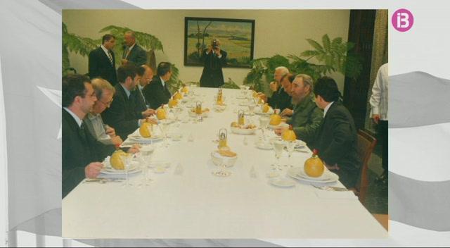 Una+delegaci%C3%B3+del+Govern+Balear+es+va+reunir+amb+Fidel+Castro+l%27any+2000