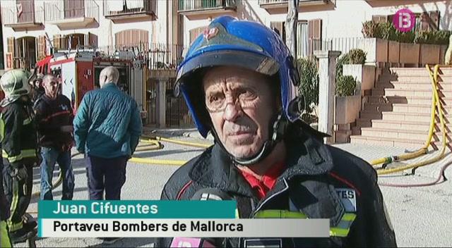 Els+bombers+han+tardat+5+hores+a+extingir+un+incendi+a+Bunyola