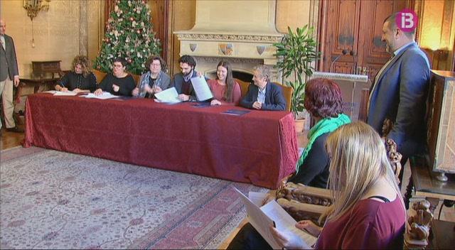 Signat+el+Pacte+Com%C3%BA+per+a+una+Mallorca+en+igualtat