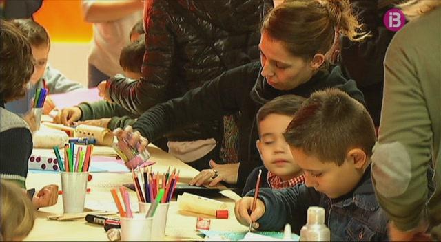 Els+nens+eivissencs+participen+a+un+taller+de+cartes+pels+Reis+d%27Orient