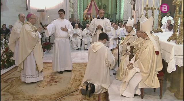 M%C3%A9s+de+700+persones+assisteixen+a+l%27ordenaci%C3%B3+episcopal+a+la+Catedral+de+Menorca