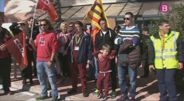 El+Congr%C3%A9s+recolza+la+demanda+de+m%C3%A9s+personal+a+l%27aeroport+de+Menorca