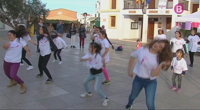 Formentera+organitza+un+%26%238216%3Bflashmob%27+amb+motiu+del+Dia+Internacional+de+la+Dona