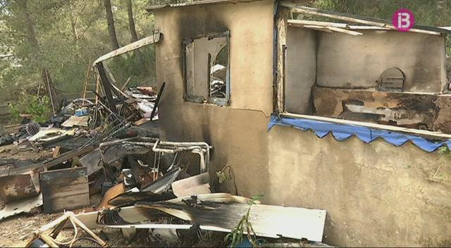 Incendi+a+una+casa+deshabitada+a+Cala+Llonga