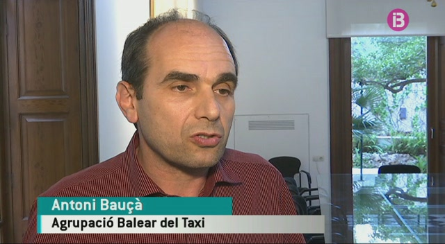 Quatre+patronals+del+taxi+signen+l%27Acord+amb+el+Govern+per+posar+en+marxa+les+noves+l%C3%ADnees+d%27autocar