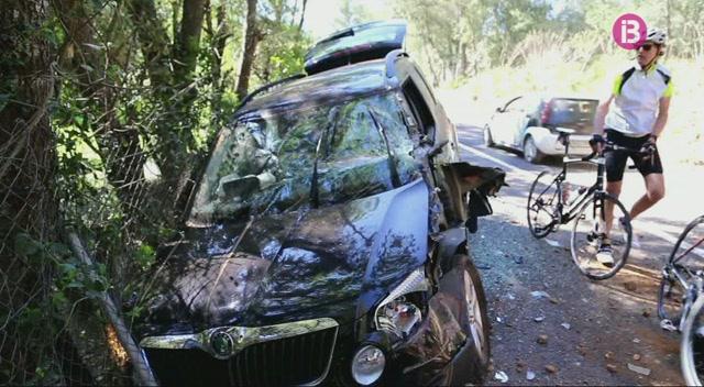 Accident+entre+un+cami%C3%B3+i+un+turisme+a+la+carretera+de+Puigpunyent