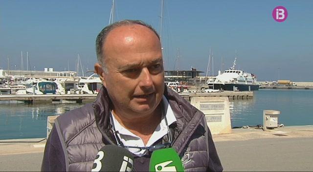Continua+la+pol%C3%A8mica+amb+l%27edifici+d%27aparcaments+de+la+Savina+a+Formentera