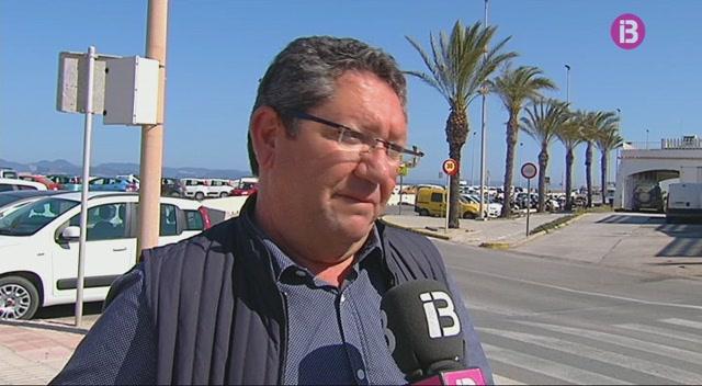 Les+obres+al+port+de+la+Savina+redueixen+l%27espai+per+aparcar