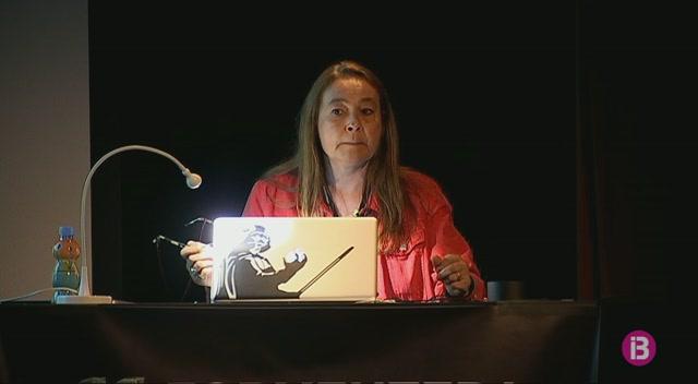 Sandra+Balsells+mostra+els+seus+treballs+sobre+Sic%C3%ADlia+i+Lampedusa+a+Formentera