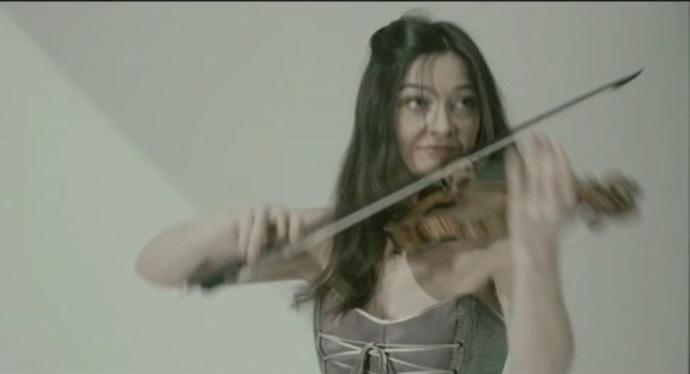 Nou+videoclip+de+la+violinista+eivissenca+Lina+Tur