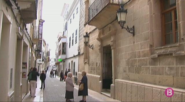 Els+municipis+de+Menorca+sumen+un+super%C3%A0vit+de+m%C3%A9s+de+30+milions+que+no+poden+invertir+com+volen