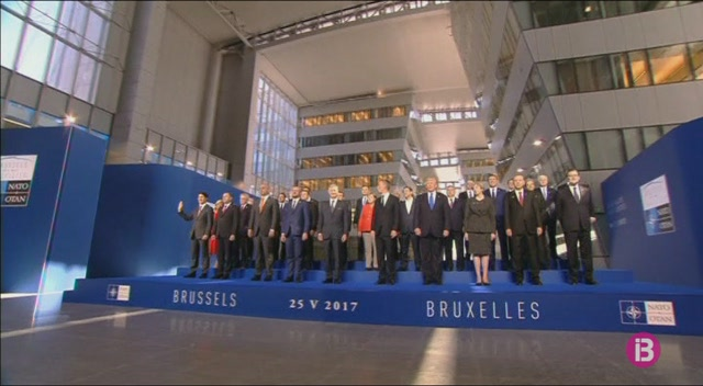 Comen%C3%A7a+la+cimera+de+l%27OTAN+a+Brusel%C2%B7les
