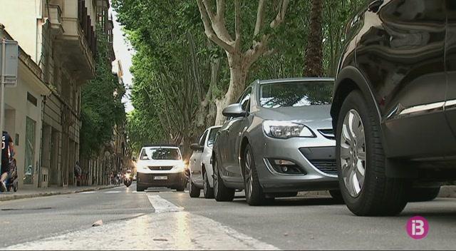 Col%C2%B7lapse+de+vehicles+i+gent+al+centre+de+Palma