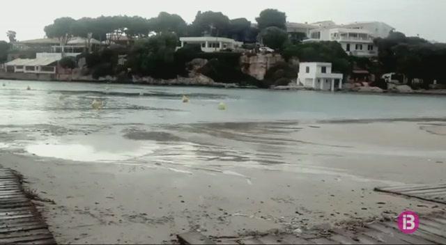 La+rissaga+provoca+oscil%C2%B7lacions+importants+al+port+i+les+platges+de+Ciutadella