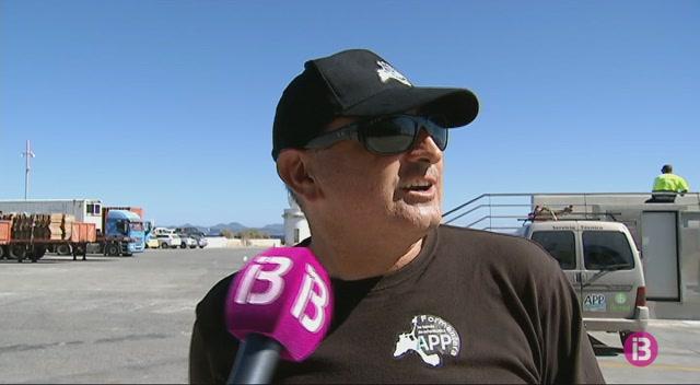 Indignaci%C3%B3+dels+transportistes+de+Formentera+davant+la+prohibici%C3%B3+d%27acc%C3%A9s+al+moll+de+la+Savina