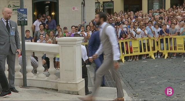 La+boda+de+Sergi+Llull+concentra+centenars+de+persones+a+Ma%C3%B3