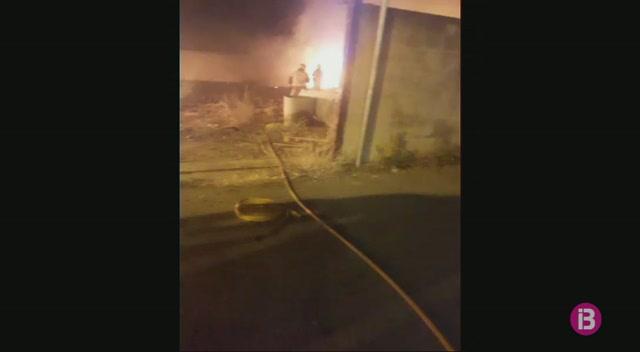 Incendi+a+un+solar+de+sa+Indioteria+de+Palma