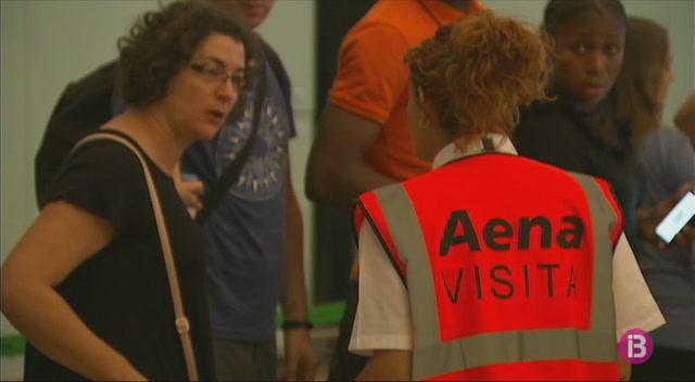 Mat%C3%AD+de+caos+a+l%27aeroport+de+Barcelona+per+la+vaga+de+seguretat