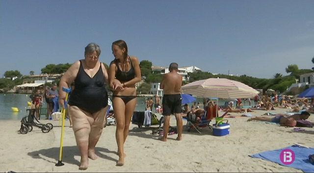 Santandria+%C3%A9s+de+les+poques+platges+de+Menorca+amb+serveis+per+a+persones+amb+mobilitat+redu%C3%AFda