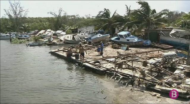 Irma+s%27allunya+de+Florida+i+deixa+un+balan%C3%A7+de+40+morts+al+Carib+i+als+Estats+Units
