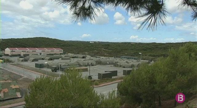 Els+vigilants+de+les+instal%C2%B7lacions+militars+de+Balears+fan+vaga+contra+les+retallades