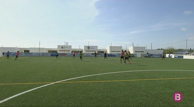 El+Formentera+rep+el+Lleida+amb+les+novetats+de+Bruno+i+Nando+Quesada