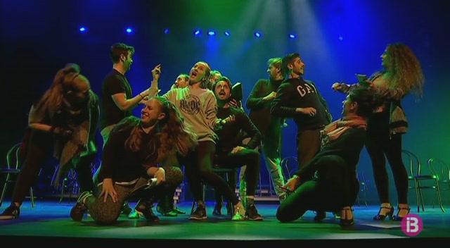 El+musical+Chicago+dissabte+a+Alc%C3%BAdia+per+la+companyia+%E2%80%98Un+mont%C3%B3n+de+artistas%E2%80%99